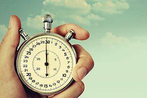 montre chronomètre pour illustrer le court terme